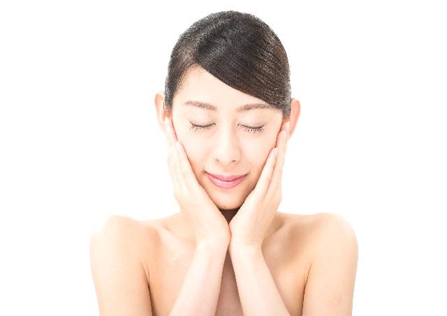 美容鍼灸は顔を中心に施術を行う
